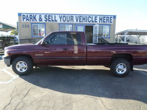 2001 Dodge 2500 SLT Lariat Extended Cab Photo 1