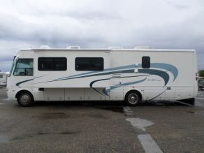 2004 National Sea Breeze M-8375 LX Class A Motorhome  37'