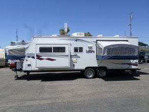 2005 Tahoe Hybrid Travel Trailer