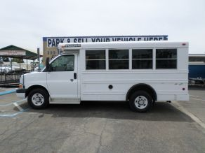 2006 Chevrolet Collins 14 Passenger Bus