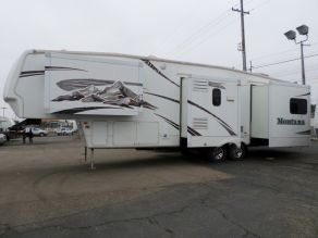 2008 Keystone Montana 5th Wheel