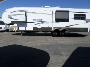 2009 Keystone Outback Sydney Edition 5th Wheel  35'