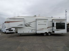 2011 Jayco Pinnacle Fifth Wheel  36'
