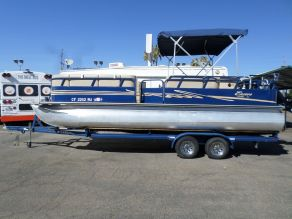 2012 Bentley Encore Pontoon Boat
