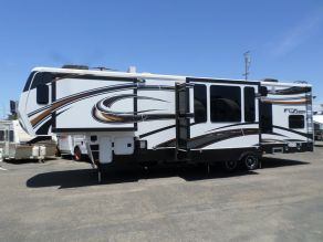 2014 Keystone Fuzion 331 5th Wheel Toy Hauler  38'