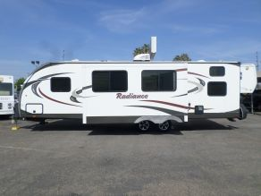 2015 Cruiser RV Radiance Travel Trailer  28'