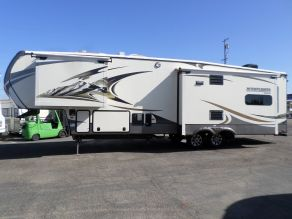 2015 Montana Mountaineer 5th Wheel