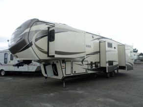 2016 Keystone Montana 3440RL Fifth Wheel  39'